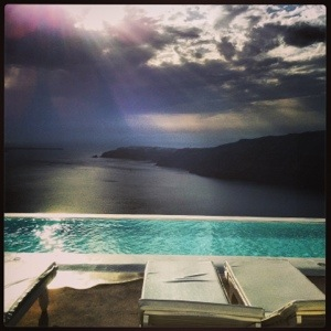 (Santorini) A view of an infinity pool AND the Mediterranean Sea? Heaven!