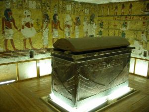 Tomb of Ay(source: http://nurdinsembelit.wordpress.com/2011/01/24/valley-of-the-kings/)