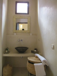 Naos bath